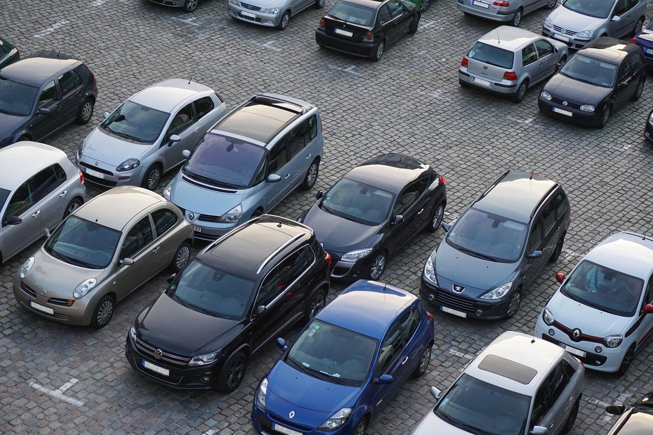 Jak dobrze zareklamować samochód na sprzedaż?